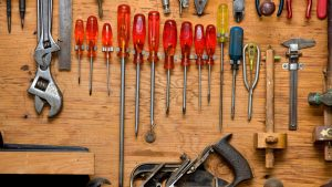 Organised toolshed and workshop by Serene Spaces for You